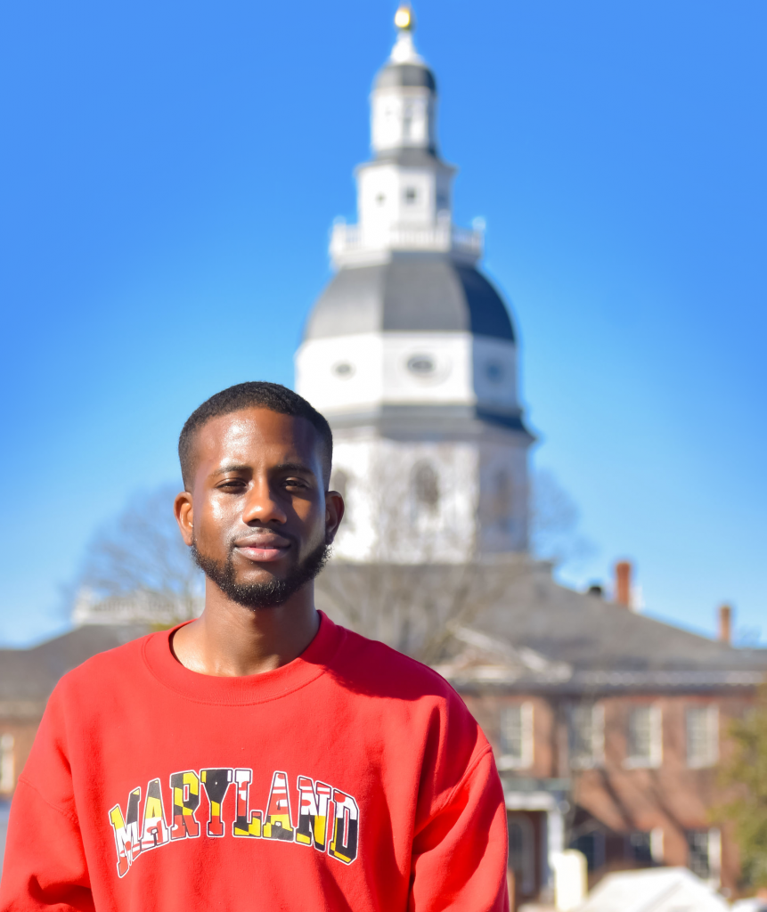 Keanuú outside the Maryland State House, Annapolis, Maryland